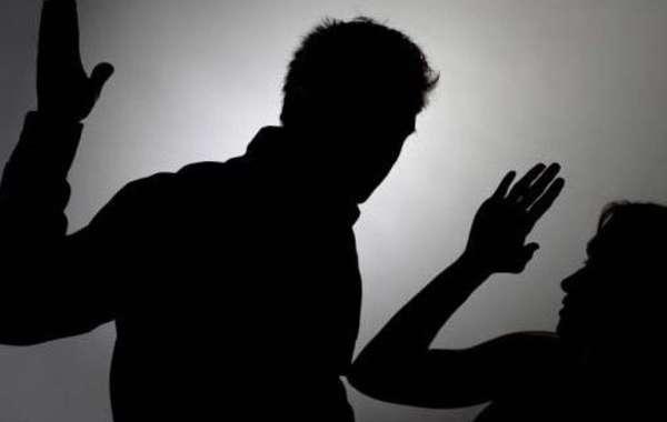 Khởi tố kẻ tát vào mặt 3 cô giáo rồi bắt quỳ gối trước cửa lớp học